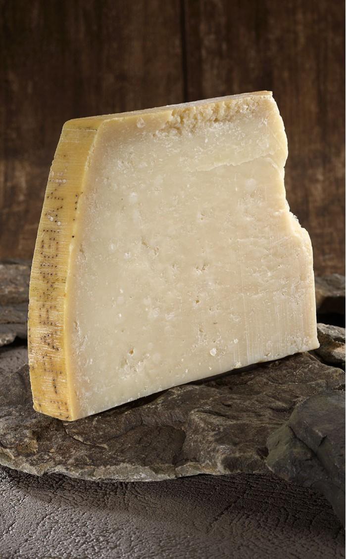 parmesan vache fromagerie pouillot affineur de fromage. Black Bedroom Furniture Sets. Home Design Ideas